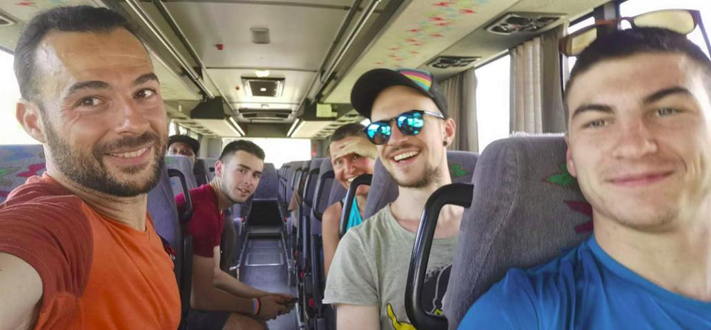 Autobus sulla via degli Dei