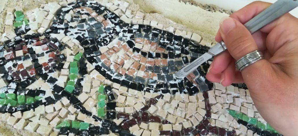 Pulire un mosaico